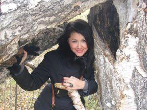 Helena med mørkt hår - smuk ukrainsk kvinde