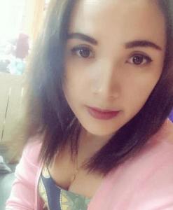 Ung flot thai pige søger en mand fra udlandet