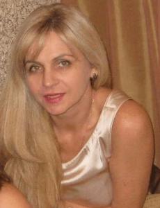 Moden ukrainsk kvinde søger kærligheden i udlandet